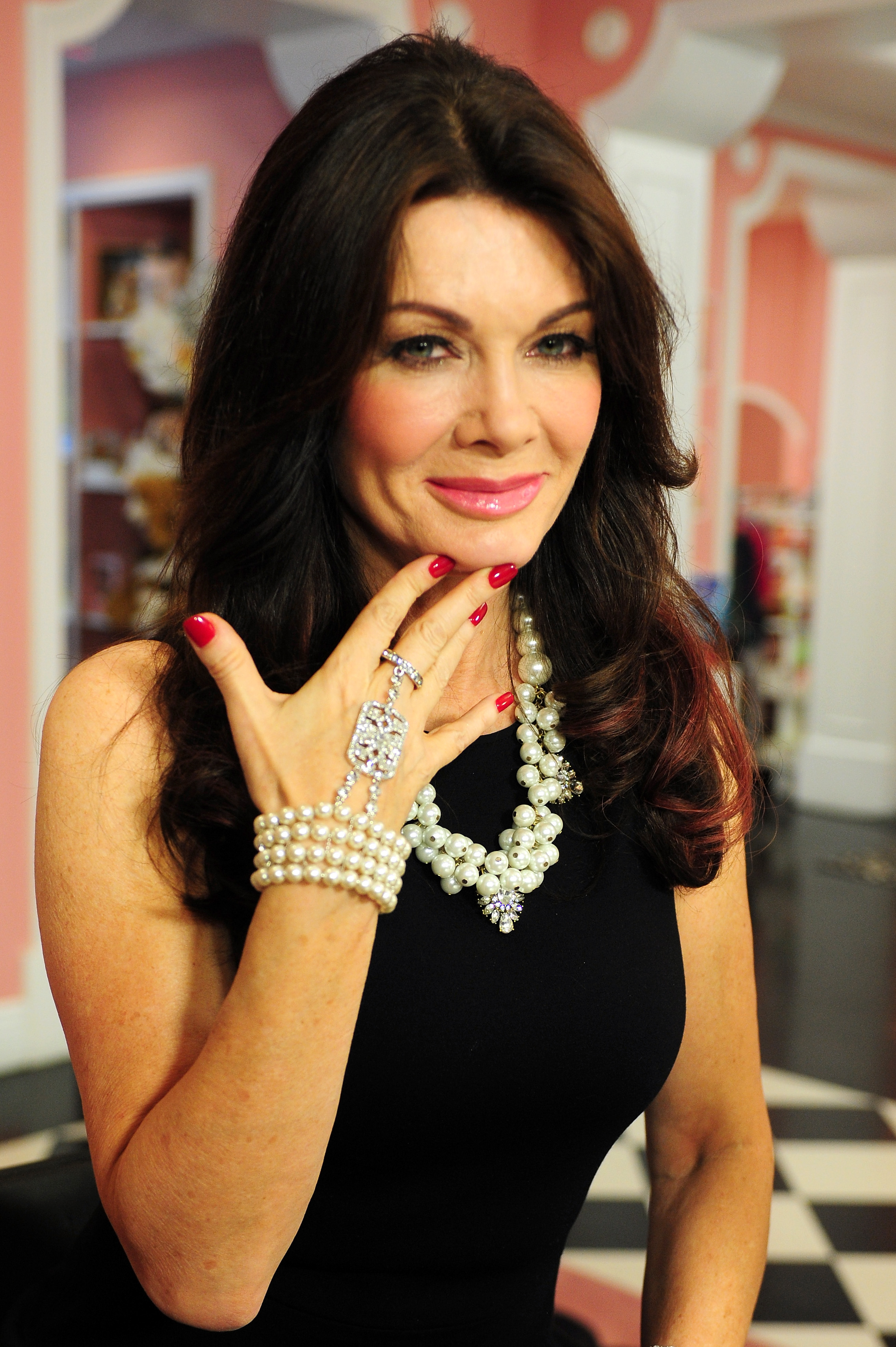 is lisa vanderpump really manipulative sur employees